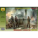 Zvezda 1:35 German Tank Crew WWII Late 3614 figura makett