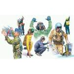 Italeri 1:72 Nato Pilots and Ground Crews 1246 figura makett