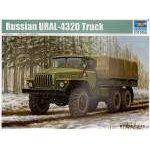 Trumpeter 1:35 URAL-4320 teherautó
