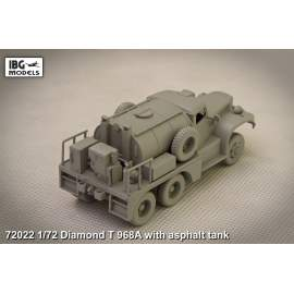IBG Model 1:72 DIAMOND T 968A with Asphalt Tank