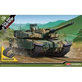 Academy 1:35 R.O.K. Army K2 ´Black Panther´ harcjármű makett