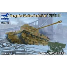 Bronco 1:35 Hungarian Medium Tank 43.M Turan III harcjármű makett