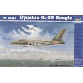 Trumpeter 1:72 Chinese-Russia Ilyushin IL-28 Beagle repülő makett