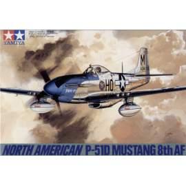 Tamiya 1:48 N.A.P-51D Mustang 8th AF repülő makett