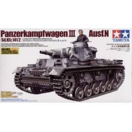 Tamiya 1:35 Pz.Kpfw.III Ausf. N harcjármű makett