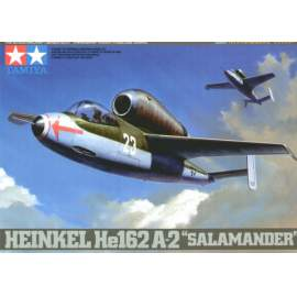 Tamiya 1:48 Heinkel He-162A-2 Salamander repülő makett